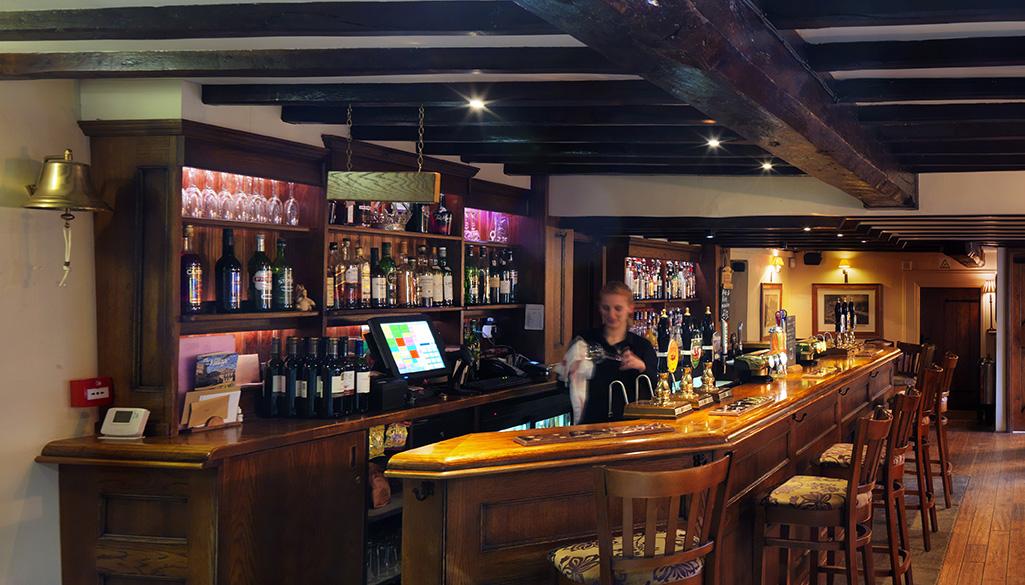 The Crown Inn, Elton bar
